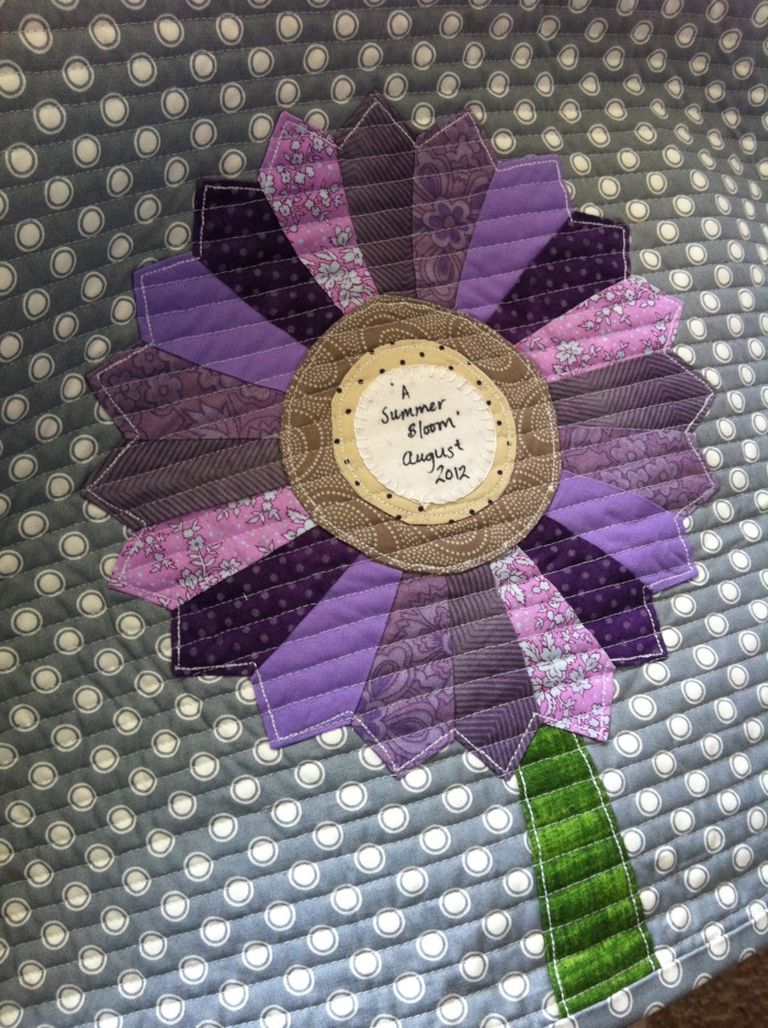 A Summer Bloom's Quilt Label (2012)