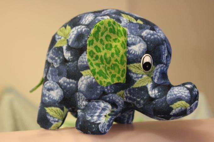 Bluebelle The Elephant (2010)