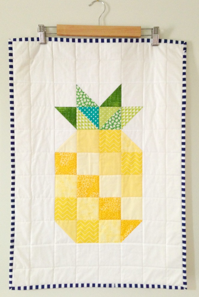 Pineapple Mini Quilt (2015)