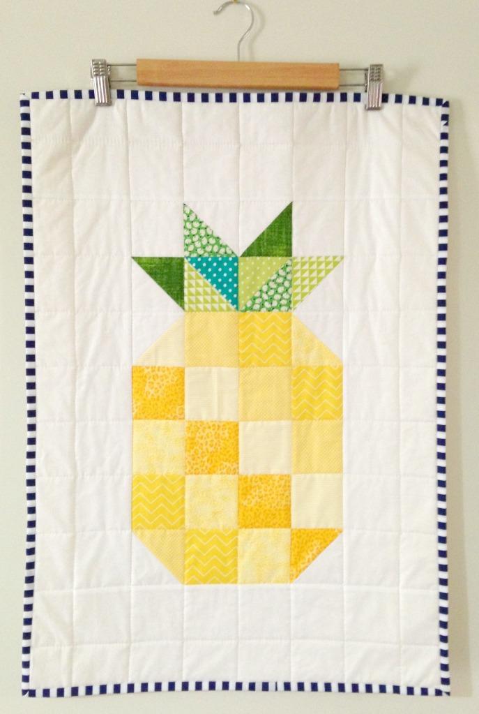 Pineapple Mini Quilt (2015)
